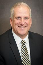 Brian Ivie, director ejecutivo