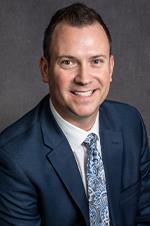 Justin Oram, vicepresidente regional de operaciones de clínicas