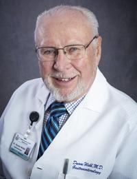 Dr. Webb, gastroenterólogo